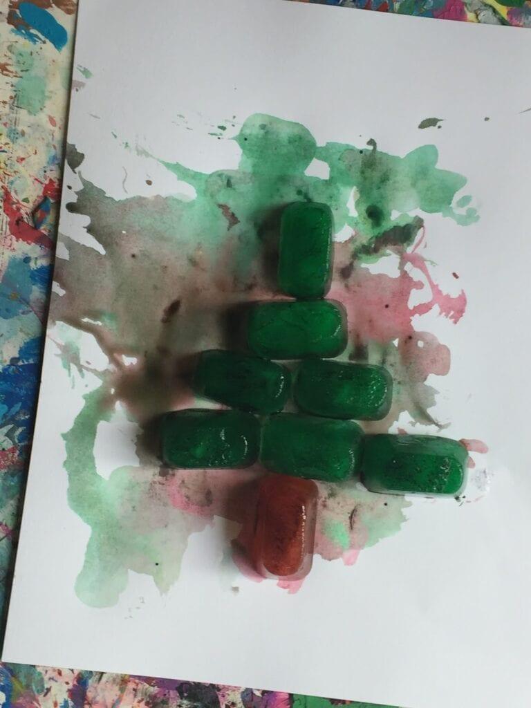 experiment, experiment för barn, naturvetenskap, NO, pyssel, pyssel för barn, barnpyssel, jul, julpyssel, julpyssel för barn, måla med is