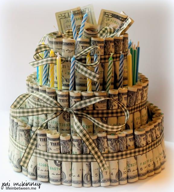 pengatårta, tårta av pengar, tårta av sedlar