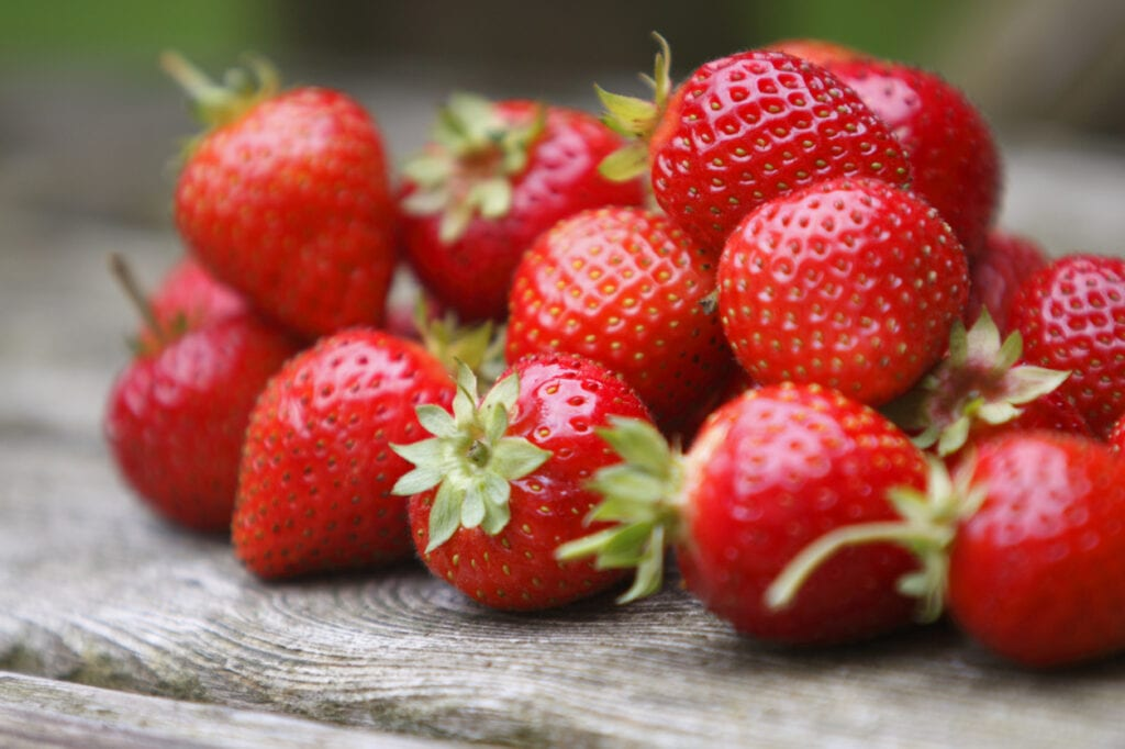 jordgubbar bra för hälsan, näringsrika jordgubbar