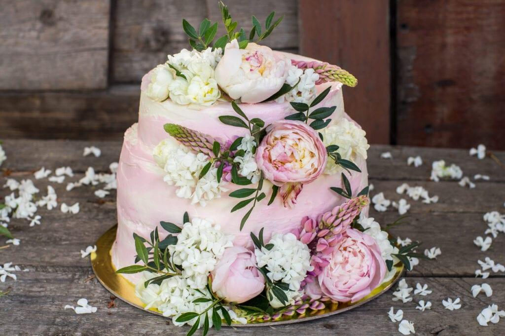tårta med blommor, bröllopstårta
