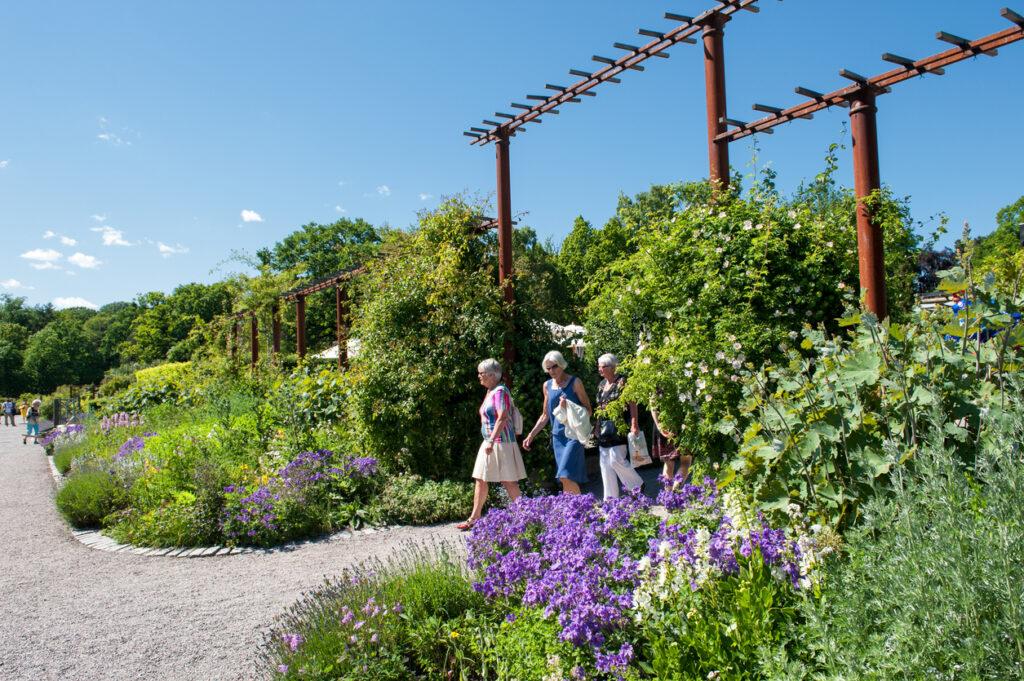 vackra trädgårdar i Sverige