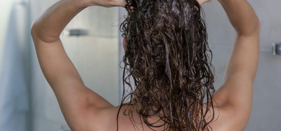 ge sig själv hårbottenmassage