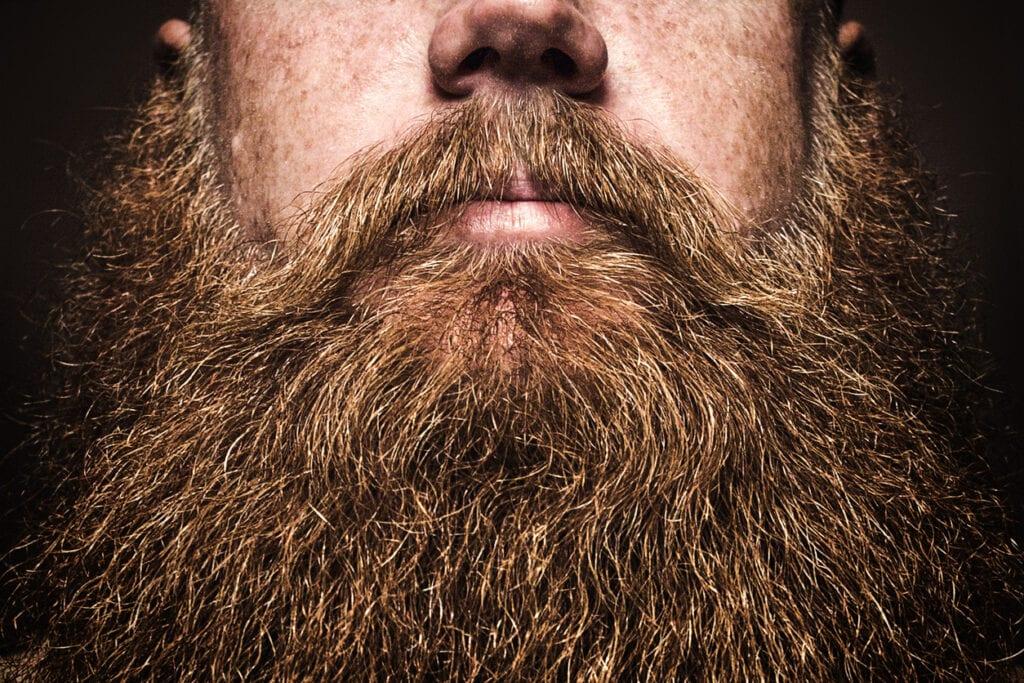 när börjar man få skägg