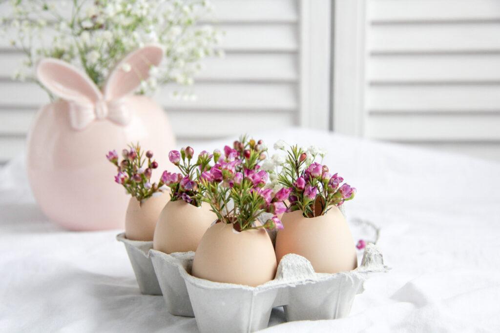 så kan du ha blommor i äggskal
